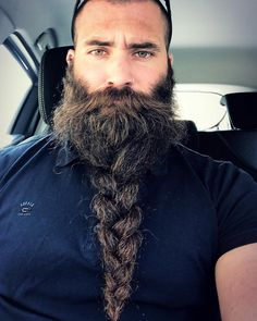 beards carefully curated Photo. TresseLongues BarbesBarbe