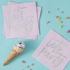 serviette-de-fete-lets-party-en-papier-rose-et-holographique-ginger-ray