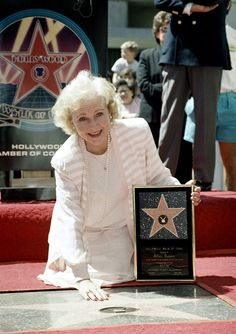 Betty White through the years: A look back at the beloved 'Golden Girl' Hollywood Walk Of Fame, Hollywood Actor, Golden Age Of Hollywood, Estelle Getty, Naive, Betty White Birthday, Celebrity Stars, Cartoon Network Adventure Time, Golden Girls
