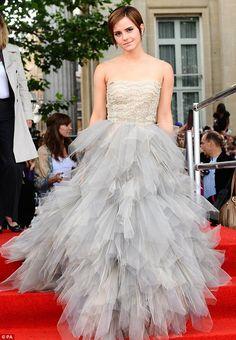 Emma Watson in Oscar De La Renta. I want to get married in this dress. But shorter.
