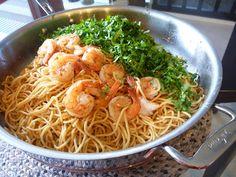 The Spices Of Life . . .: Mì Xào Tỏi (Garlic Noodles)