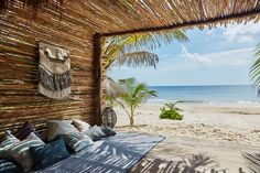 Nomade Tulum is a bohemian luxury hotel in Tulum, Riviera Maya, Mexico. Nomade Tulum Hotel on the beach of Tulum offers stylish rooms, yoga and healthy cuisine.