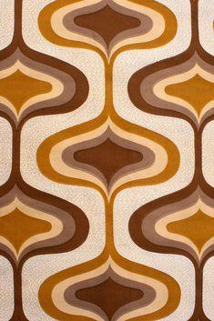 Vintage Retro Geometric Fabric Coupon. Vintage Retro Geometrische Stof Coupon. Rétro Tissu Géométrique Brun Coupon. Original vintage retro fabric with fantastic seventies pattern in shades of brown.