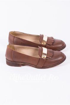Pantofi maro cu aplicatie metalica ASOS