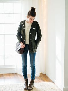 Layering decoded: a formula for practical, bulk-free layering : In the past, my biggest gripe about layering was bulk. I felt like the only way to stay warm was to look like a marshmallow. And as awesome as marshmallows are, it's not super practica… Fall Winter Outfits, Autumn Winter Fashion, Spring Outfits, Winter Style, Mode Outfits, Fashion Outfits, Fashion Styles, Women's Fashion, Penfield Jacket