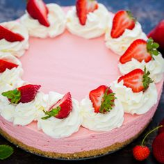 The easiest no-bake recipe for strawberry cheesecake. This comes together fast and has amazing fresh strawberry flavor. Baked Strawberries, Easy Baking Recipes, Strawberry Recipes, Strawberry Cheesecake No Bake, Cheesecake Strawberries, Pumpkin Cheesecake, Savoury Cake, Mini Cakes, Clean Eating Snacks