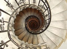 Who doesn't love a spiral staircase?  Unless you're trying to move furniture, of course...