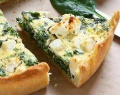 Quiche légère aux épinards et à la feta : http://www.fourchette-et-bikini.fr/recettes/recettes-minceur/quiche-legere-aux-epinards-et-la-feta.html