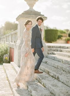 After their original photographer didn't show up, this bride and groom found a last minute wedding photographer replacement and their elopement photos are beyond beautiful! Whimsical Wedding, Glamorous Wedding, Dream Wedding, Wedding Stuff, Wedding Things, Wedding Dress Sizes, Wedding Dresses, Miami Wedding Photographer, Wedding Poses