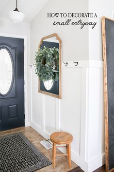 homedecor tips Tips on how to decorate a small entryway in your home to add character and charm. Your guests will be greeted by such an inviting space! Laundy Room, Small Entryways, Wall Molding, Home Decor Pictures, Farmhouse Decor, Farmhouse Design, Farmhouse Style, Modern Farmhouse, Farmhouse Ideas