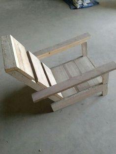 Loung- / zonbestoel van (oud) gebruikt steigerhout. Bekijk ons volledig portfolio via: www.facebook.com/DeJongVintageDesign