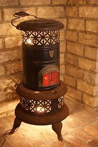 old stove turned into lamp. We still use our old kerosene stove during cold spells. Repurposed Items, Repurposed Furniture, Country Decor, Rustic Decor, Kerosene Heater, Kerosene Lamp, Old Stove, New Energy, Primitive Crafts