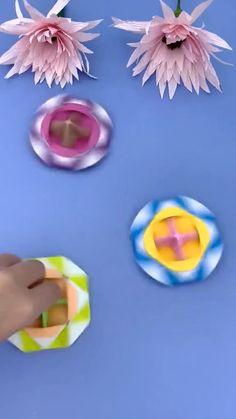 Kids Origami, Paper Crafts Origami, Cardboard Crafts, Origami Art, Diy Crafts For Girls, Diy Crafts Hacks, Diy Arts And Crafts, Cute Crafts, Diy Doll Suitcase