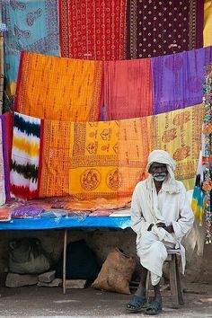 88 Pictures of the Beautiful and Colorful People of India . - 88 Pictures of the Beautiful and Colorful People of India … - Varanasi, Nepal, Sri Lanka, Indian Fabric, Indian Textiles, Goa India, Taj Mahal, We Are The World, People Of The World