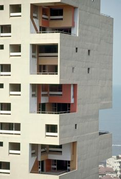 Majestic Plumage: Charles Correa - Kanchanjunga Apartments