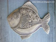 Has some neat heart designs. Pottery Animals, Ceramic Animals, Ceramic Art, Fish Sculpture, Pottery Sculpture, Pottery Art, Pottery Lessons, Clay Fish, Clay Art Projects