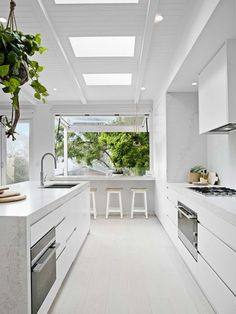 Kitchen Design Inspiration for Your Beautiful Home Browse through our incredible collection of luxury kitchen designs ideas and pictures. The post Kitchen Design Inspiration for Your Beautiful Home appeared first on Design Diy. Home Kitchens, Contemporary Kitchen, Kitchen Renovation, Modern Kitchen, White Kitchen Design, Home Decor Kitchen, Kitchen Interior, Kitchen Style, Luxury Kitchen