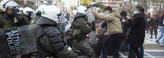Παρέλυσαν Αθήνα και Θεσσαλονίκη από τις διαδηλώσεις -Πορείες παρά τα μέτρα, χημικά και προσαγωγές