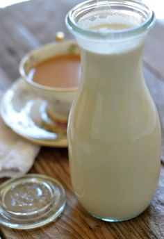 All Natural Cinnamon Bun Coffee Creamer Recipe made with maple syrup and organic cream. | mountainmamacooks.com