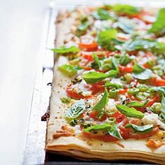 25 Best Vegetarian Recipes - Phyllo Pizza with Feta, Basil, and Tomatoes - Cooking Light Pizza Recipes, Dinner Recipes, Cooking Recipes, Basil Recipes, Phyllo Recipes, Snacks Recipes, Cooking Tips, Best Vegetarian Recipes, Healthy Recipes