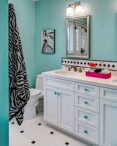 turquoise teen bathroom | Sabrina Alfin Interiors