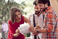 Daniel Sánchez Arévalo con Verónica Echegui y Miquel Fernández en el rodaje de 'La gran familia española'