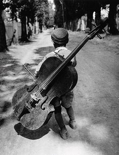 ★ Music Black & white photo Eva Besnyö