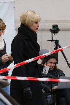 HQ/Untagged Pictures of Jennifer Lawrence filming Red Sparrow in Vienna, Austria (April 29)