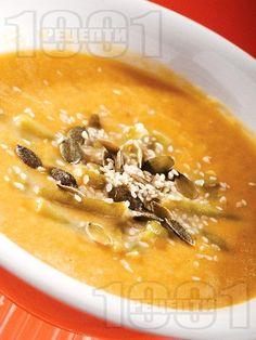 Крем супа от червена леща, картофи и зелен фасул