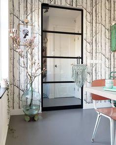 La imagen puede contener: tabla, planta e interior Oversized Mirror, Interior, Furniture, Instagram, Home Decor, Seeds, Decoration Home, Indoor, Room Decor