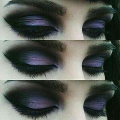 Black and Purple Gothic Eye Makeup. Black and Purple Gothic Eye Makeup. – Das schönste Make-up Bat Makeup, Gothic Eye Makeup, Costume Makeup, Makeup Art, Makeup Drawing, Drawing Eyes, Gothic Makeup Tutorial, Punk Makeup, Diy Goth Makeup