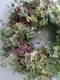 Eucalyptus & hydrangea wreath would be nice on my old door this summer! - Eucalyptus & hydrangea wreath would be nice on my old door this summer! Christmas Door Wreaths, Autumn Wreaths, Spring Wreaths, Holiday Wreaths, Corona Floral, Raindrops And Roses, Wreaths And Garlands, Ribbon Wreaths, Floral Wreaths