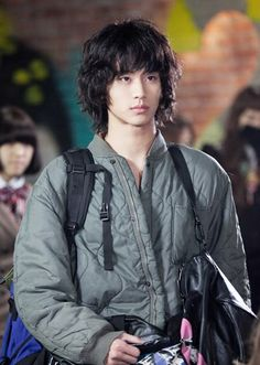 Kim Soo Hyun ~ Dream High ~ Song Sam Dong (i first fell in love with kpop and kdramas with Kim Soo in Dream high *sighs) Korean Star, Korean Men, Asian Men, Asian Actors, Korean Actors, Korean Dramas, Korean Idols, Little Dorrit, My Love From Another Star