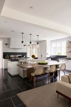 tiles Black DPAGES – a design publication for lovers of all things cool & beautiful Open Plan Kitchen Living Room, Living Room White, Kitchen Dining, Kitchen Decor, Cozy Kitchen, Hamptons House, Hamptons Kitchen, Black Floor, Kitchen Flooring