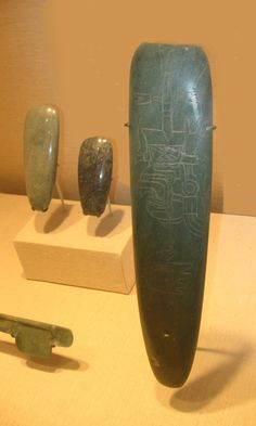 Several celts (polished stone ritual tools), with incised Olmec-style icons. From the Metropolitan Museum of Art, New York. Ancient Egyptian Art, Ancient Aliens, Ancient History, Ancient Greece, Ancient Mysteries, Ancient Artifacts, Native American Artifacts, Ufo Sighting, Indigenous Art