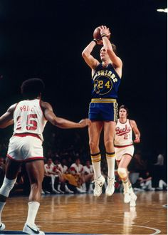 Rick Barry, a very good shooter but an incredible scorer...one of the best in NBA history!