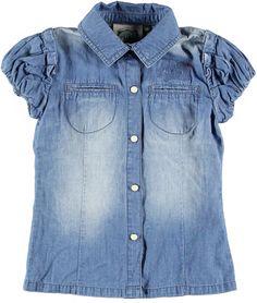 Camisa vaquera para niña. Encuentra más ropa de niña en http://monsterskids.com/es/3-ropa-nina #moda #ropa #ninas