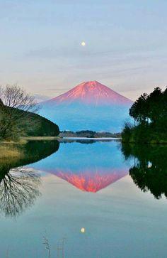facebook 空を語ろう写真館 Beautiful World, Beautiful Places, Japan Beach, Monte Fuji, Fuji Mountain, Japan Country, Visit Japan, Travel And Leisure, Great View