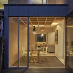 Doyle Gardens extension by Jonathan Tuckey [[[Features a criss-crossing wooden ceiling]]] Extension Veranda, Brick Extension, Extension Google, Side Extension, Glass Extension, Residential Architecture, Modern Architecture, Zinc Cladding, Exterior Cladding