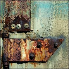 i love this rusty texture.it gives a feeling of nostalgia Rust Never Sleeps, Peeling Paint, Rusty Metal, Rust Color, Textures Patterns, Organic Patterns, Rust In Peace, Abstract Photography, Artwork