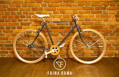 ZZR Huragan. Single speed by Fajna Rama.  #fajna_rama #fajnarama #fixielovers #fixieporn #fixergear #fixie #bikelovers #bike #bikes #bicycles #vintage #oldbike #onegear #singlespeed #custome #restore #steel #frame #3city #gdansk