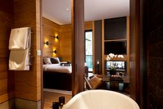 The Chedi Andermatt: Different types of wood set the interior tone of the rooms.