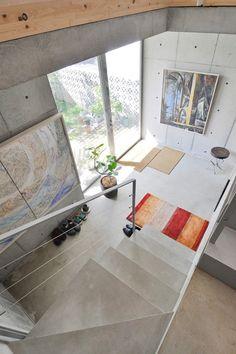間口5 5mながら広く 明るい空間大きな吹き抜けとリゾート気分の浴室