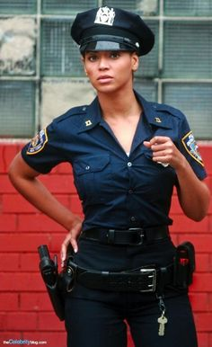 """Police-Costume-Beyonce her """"If I was A boy"""" song. Idea for Police Costume! Solange Knowles, Beyonce Knowles Carter, Beyonce And Jay Z, Beyonce Style, Beyonce 2013, Blue Ivy Carter, Destiny's Child, Divas, Houston"""