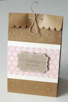 Bolsa papel con etiqueta y perlas