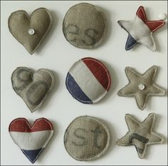 Magnets made of old postbags Crafts To Make, Arts And Crafts, Diy Crafts, Sewing Crafts, Sewing Projects, Going Dutch, Heart Diy, Types Of Craft, Do It Yourself Projects