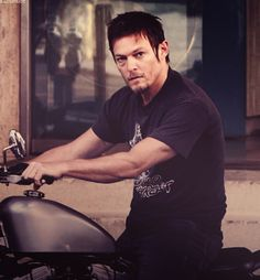 motorcycles+this dude...yum.