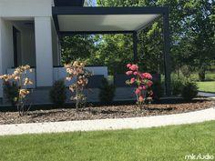 Doskonałe zadaszenie tarasu u naszego Klienta za pomocą pergoli pro oraz markizy - Blog MK Studio Warszawa Pergola, Patio, Plants, Studio, Blog, Outdoor Pergola, Studios, Blogging, Plant