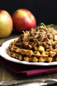 Skinnier Cornbread Waffles With Pulled Pork And Maple Apple Chutney {Whole Wheat} - Food Faith Fitness Pork Recipes For Dinner, Healthy Meat Recipes, Roast Beef Recipes, Lamb Recipes, Eat Healthy, Yummy Recipes, Healthy Life, Recipies, Cornbread Waffles
