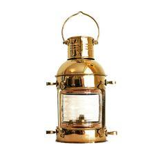 Dawne lampy żeglarskie z mosiądzu, stylowe mosiężne lampy okrętowe, naftowe lampy nawigacyjne ⛵️ dawniej wskazywały drogę do portu, oświetlały maszty i burty wielkich żaglowców, współcześnie piękna dekoracja marynistyczna,  nietuzinkowy żeglarski prezent, morski upominek, niepowtarzalny element marynistycznego wystroju wnętrz   https://sklep.marynistyka.pl/mosiezne-lampy-nawigacyjne-c-8.html